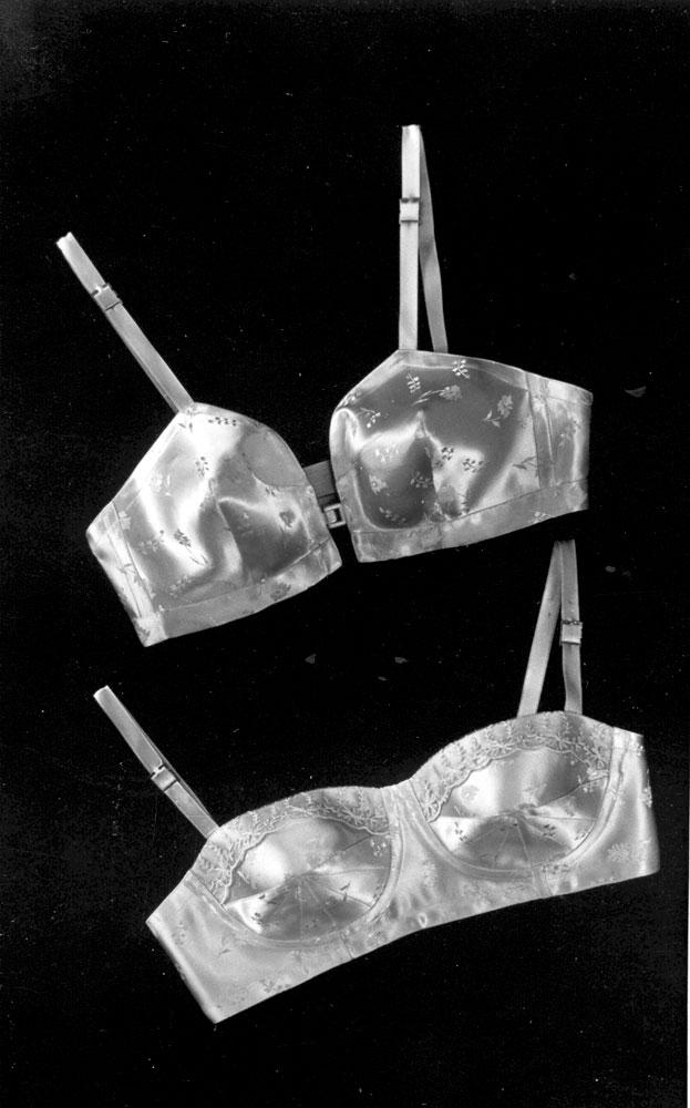 Rinnahoidjad olid valmistatud peamiselt atlasskangast